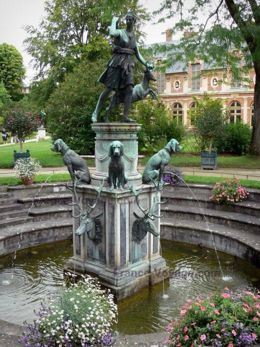 Diana castelo fonteainebleau frança